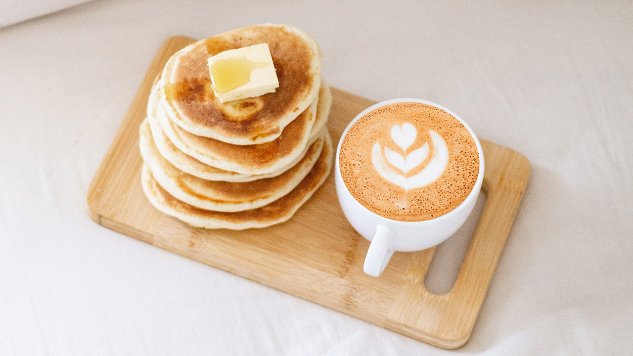 HOW TO MAKE CLASSIC PANCAKES AND DORAYAKI!